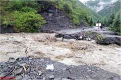 cloud burst in panchayat of rampur half dozen bridge float