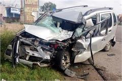 uncontrolled car collided from parapit driver injured