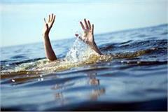 and person jumped into the tirthan river