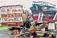 truck collision with gas cylinder and cement driver dies