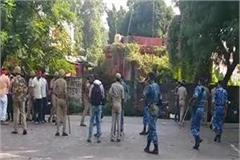 violence in 2 groups during enrollment at allahabad university