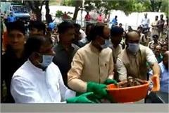 cm shivraj clean the waste in bhopal
