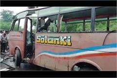 5 killed in private bus collision in aligarh yogi announced to give 2 lakh