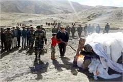 10 year old son gave main fire to martyr father