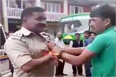 drunk mode youth caught the collar or asi in market