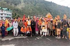 shiva ji s disciples will cross dal lake with coconut sacrifice