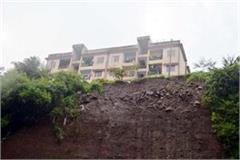 danger on 32 houses in parwanoo