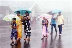 more than 40 roads closed due to rain in himachal
