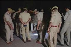 criminals shoot police inspector in jhansi