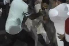 clash between policemen and worker of hindu jagran manch in nahan