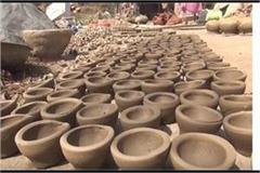 potter making pottery and lamps festival of deepawali modernity