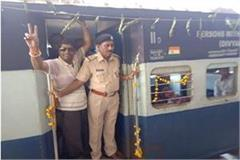 train reach alirajpur after 72 yrs independence welcomed firecrackers drums