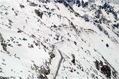 snowfall in sach pass
