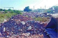 railway officials imposed fine for dumping garbage warns