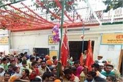 devotees rush to flyover to visit naina devi temple