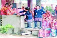 life of children in danger children seen wandering for drinking water