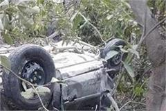 big accident in mandi car fell into the river