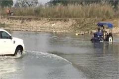 permanent bridge should be built over river swan