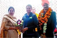 rohtak s daughter kajal saini honored in delhi