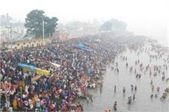 devotees reaching ayodhya for a bath in saryu on kartik purnima