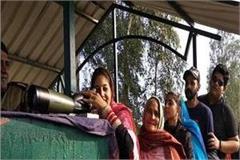 bsf has provided 2 binoculars to sangat at darshan site