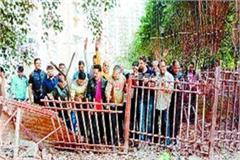 people spoke against builder accused negligence