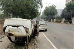useless vehicles lying roadside action owners