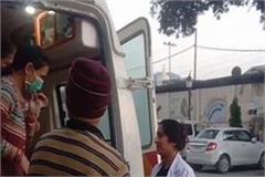 gunji kilkari in 108 ambulance woman gives birth to a baby girl on the way