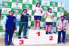 student suhana saini best athlete awarded memento