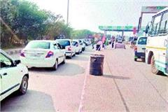 government  fastag formula fails long queues vehicles toll first day