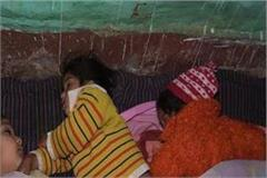 poor families compelled to live under open sky with 3 girls