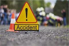 horrific road accident occurred on hodal road one student died