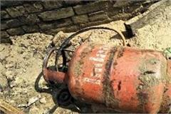 gas cylinder fire 3 people of same family died