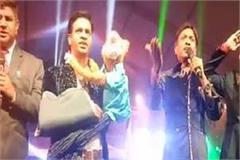 taj mahotsav famous comedians in laughter night