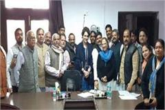 priyanka s meeting 1 20 pm till 5 15 am said not me is from rahul modi s fight