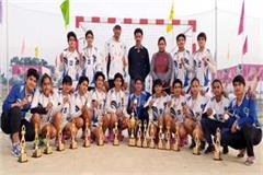 himachal won the silver medal in women handball competition