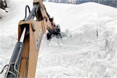 3 feet snow on teisa devikothi road