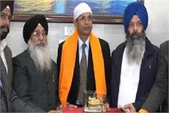 new dgp dinkar gupta hails in shri harimandar sahib