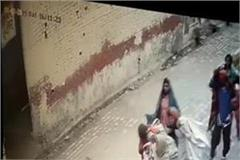 women lock the shutter lock stole clothes cctv incidents