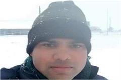 yogi sarkar will help 25 lakhs of badgam accident martyr pankaj s family