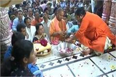 hema malini worshiped at banke bihari temple