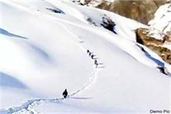 5 people reached manali crossing rohtang pass