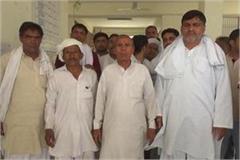farmers handed to sdm memorandums for surveyorship