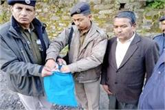 one arrested with 702 gram hashish