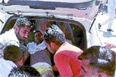 crooks released prisoner by firing gunmen on policemen