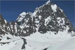 walk 20 feet snow walking visit of holy kailash