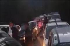 gulaba barrier struggled overnight jam tourists