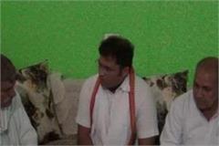 ashok tanwar meets martyrs of martyred pilot targets opposition