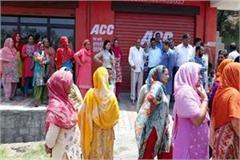 people against liqour shop