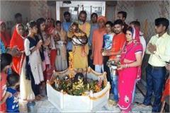 kanwariya devotees prayed to lord shiva for peace of nation
